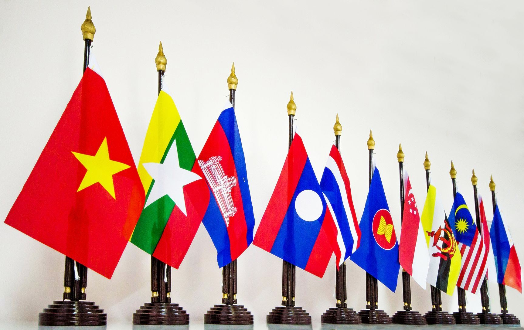 benefit of cambodia joining asean Under the asean economic community (aec), a single regional common market of asean countries will be created by 2015 the regional integration's objective is to create a competitive market of over 600 million people in asean countries: brunei, cambodia, indonesia, laos, malaysia, myanmar, the philippines, singapore, thailand, and vietnam.