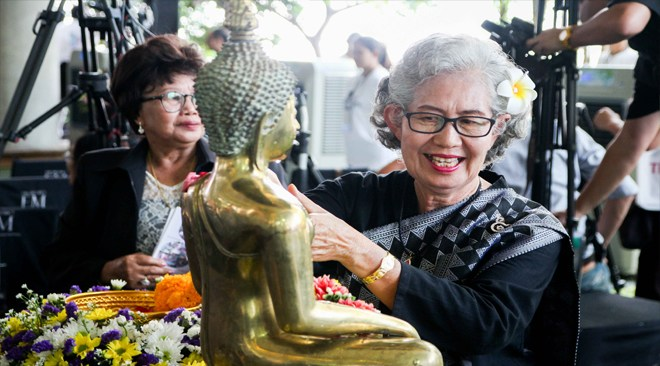 For the Song Nam Phra, water is not poured onto the head of the Buddha image, rather onto the torso and body