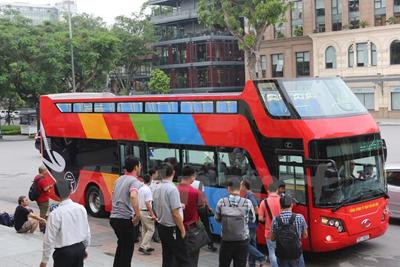 Double deck bus debut in Hanoi : TTR Weekly
