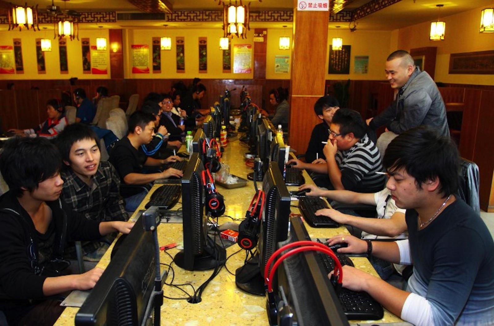 china-internet-cafe-nov-2012.jpg