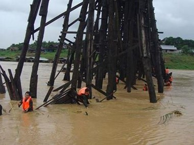 Thailand's longest wooden bridge on brink of collapse due to